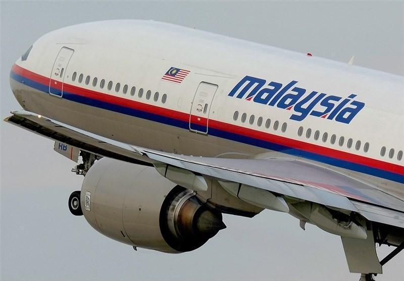 جستجو برای یافتن هواپیمای ناپدید شده مالزی به زیر آب کشیده شد