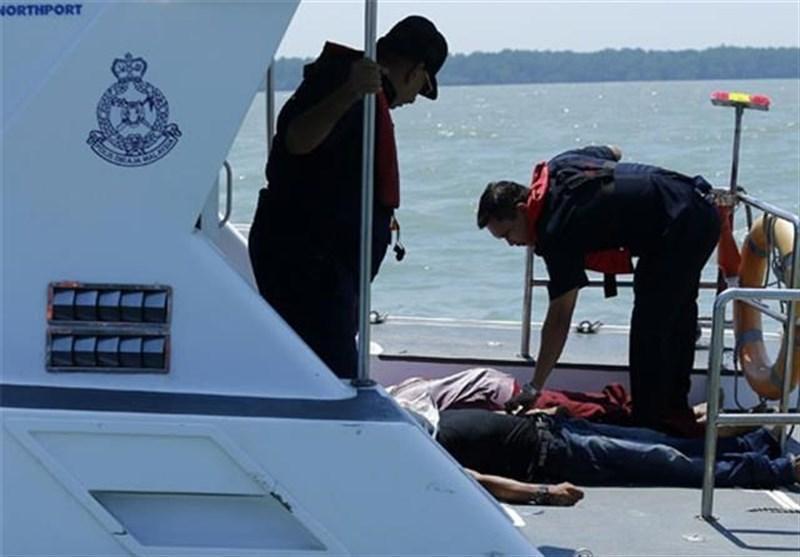 یک قایق با 17 مسافر در غرب اندونزی غرق شد