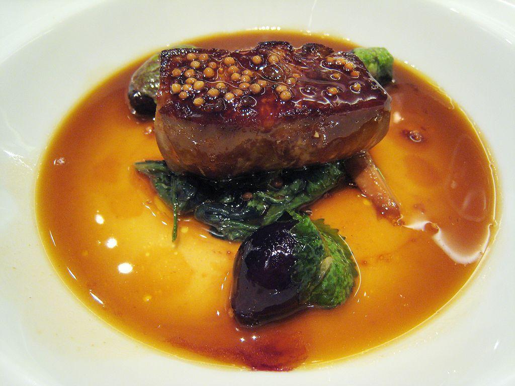 حذف جگر غاز از رستوران های نیویورک ، چاق کردن اجباری اردک ها ظلم است