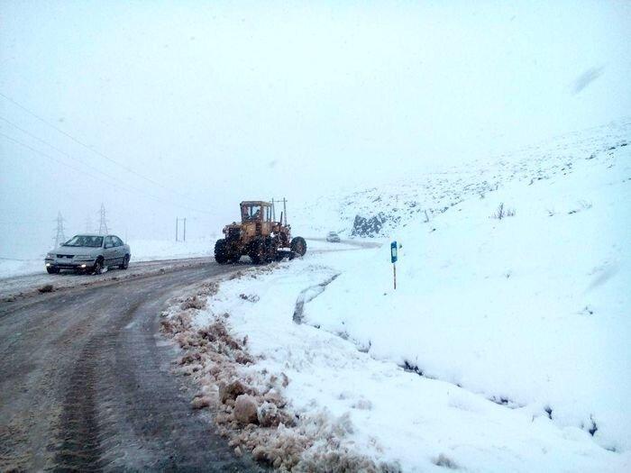 گزارش شرایط راه ها ، برف و باران در جاده های 18 استان