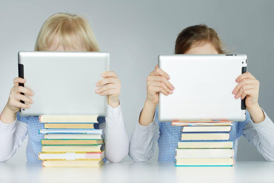 کار با تبلت و تلفن های هوشمند نمرات بچه ها را بهبود می بخشد