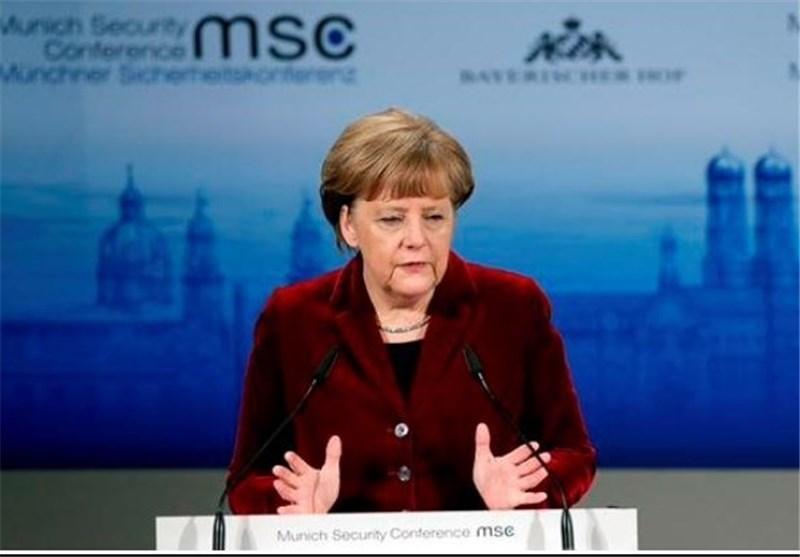 مرکل خشونت روزافزون علیه پناهندگان در آلمان را محکوم کرد