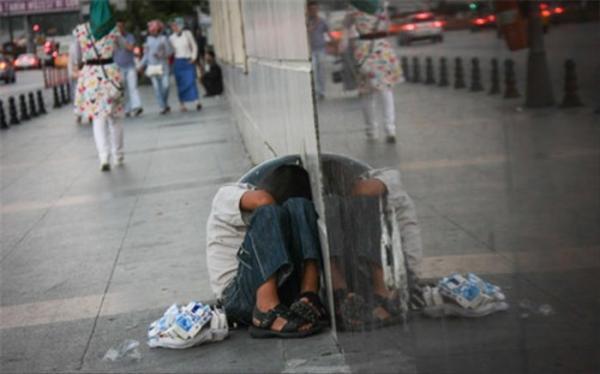بسیاری از خانواده های کارگری زیرخط فقر یا در مرز خط