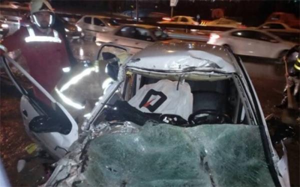 جانباختن و مصدوم شدن دو جوان در پی تصادف شدید خودرو در بزرگراه بابایی