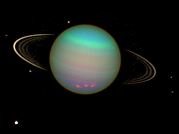 پرتو های ایکسِ اورانوس برای نخستین بار شناسایی شد