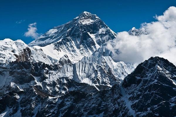 شکستن رکورد سریعترین صعود یک زن به اورست