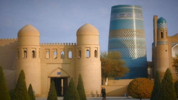 مناره فیروزه ای خیوه، نماد شهر تاریخی ازبکستان